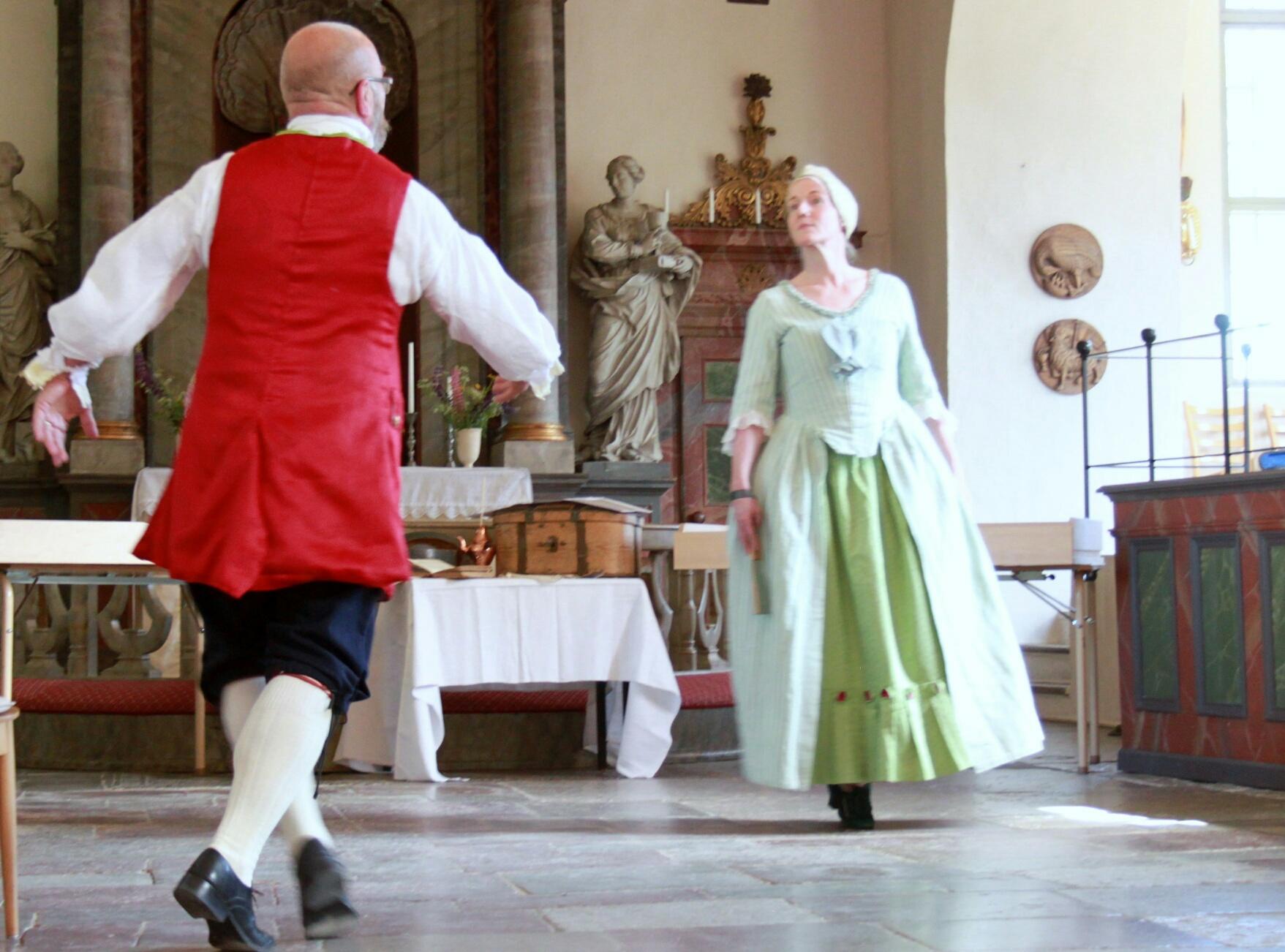Pollonesser, menuetter, polskor… En tolkning av 1700-talets musik och dans – via dansmästarens roll och med hjälp av texter från tiden